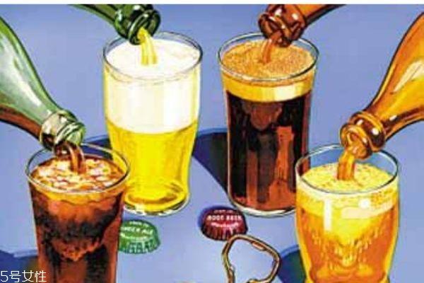 什么是碳酸饮料呢 碳酸饮料有什么危害呢