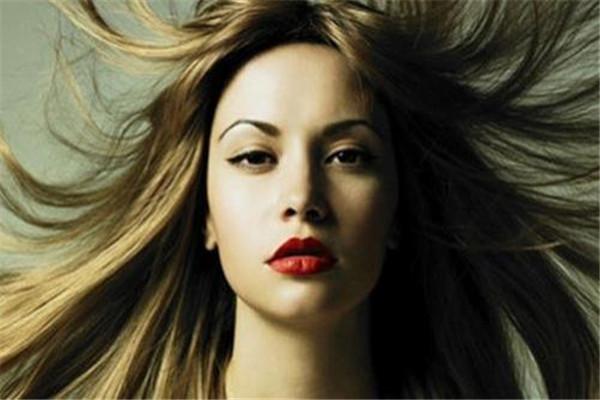 染头发对身体有什么危害 染头发的危害