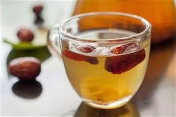 黄芪泡水可以长期喝吗 黄气泡水喝的注意事项