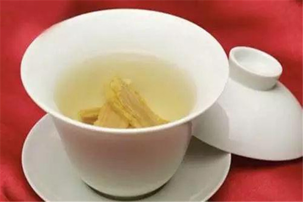 黄芪石斛泡水喝的功效 黄芪石斛泡水喝好吗