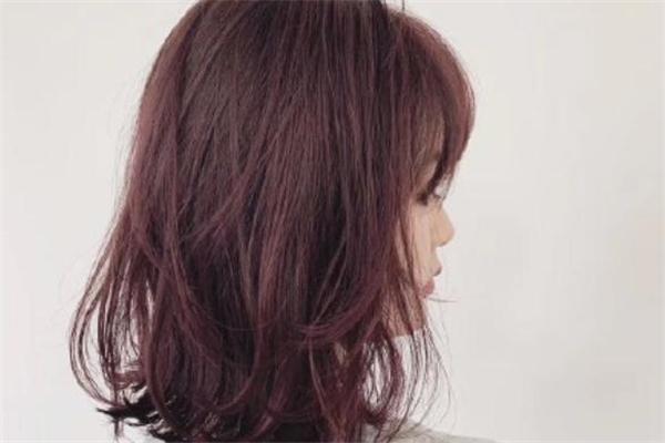 粉棕色发色显白吗 粉棕色发色适合黄皮肤吗