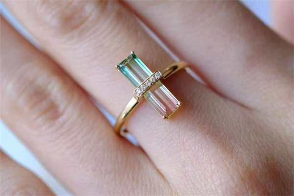 西瓜碧玺戒指价格 西瓜碧玺戒指一般多少钱