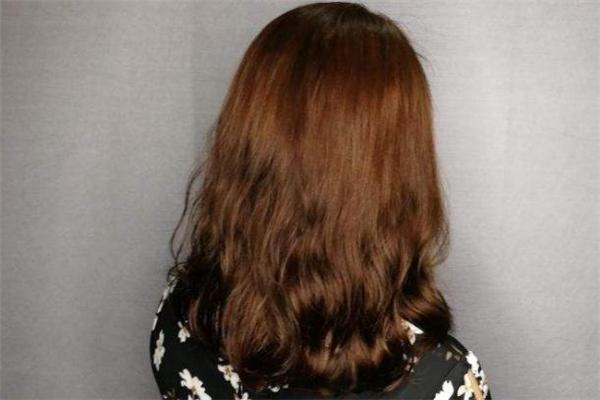 产后脱发可以烫发吗 产后脱发可以染发吗
