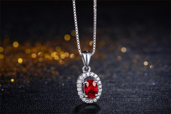 红宝石和尖晶石的区别 红宝石和尖晶石哪个好