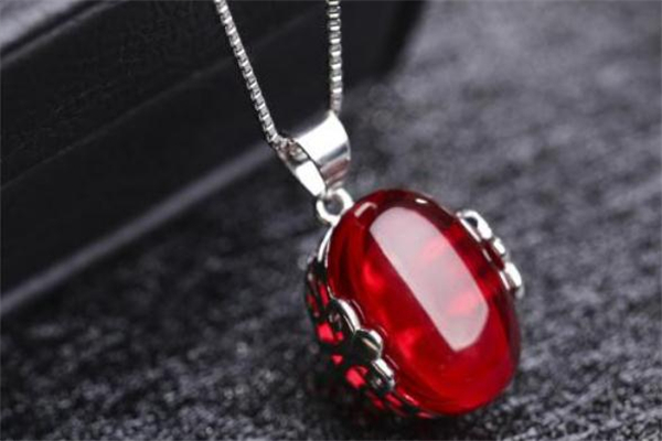 红刚玉 红刚玉是什么 红刚玉的功效与作用