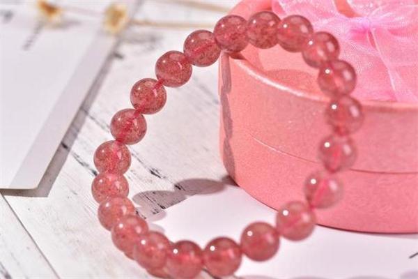 草莓晶真的会招桃花吗 草莓晶招桃花有用吗