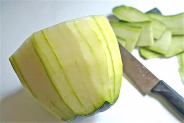 冬瓜皮煮水有什么作用 冬瓜皮煮水的功效