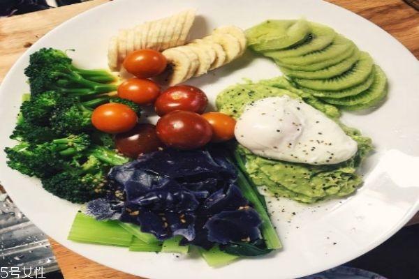 减肥能不能吃晚餐呢 减肥吃晚餐有什么好处呢