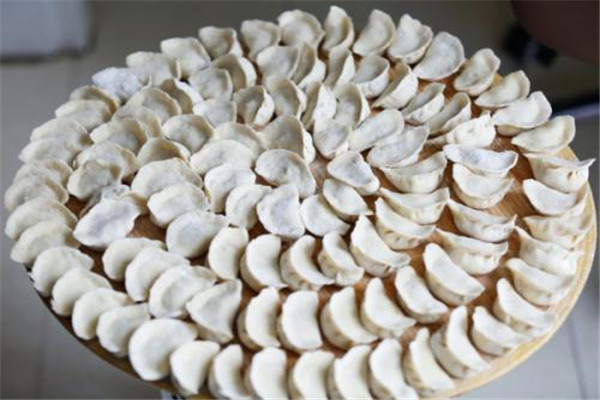 饺子皮是发面还是死面 饺子皮是怎么做的