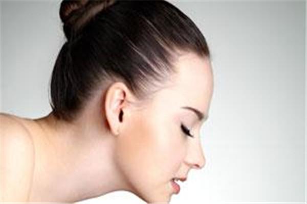 油性皮肤一天洗几次脸 油性皮肤怎么护理