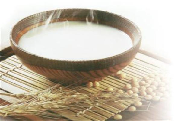 豆浆一天喝多少为宜 豆浆最好不要喝太多