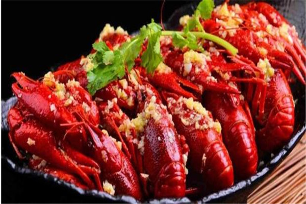 小龙虾什么季节最肥 小龙虾怎么吃比较好