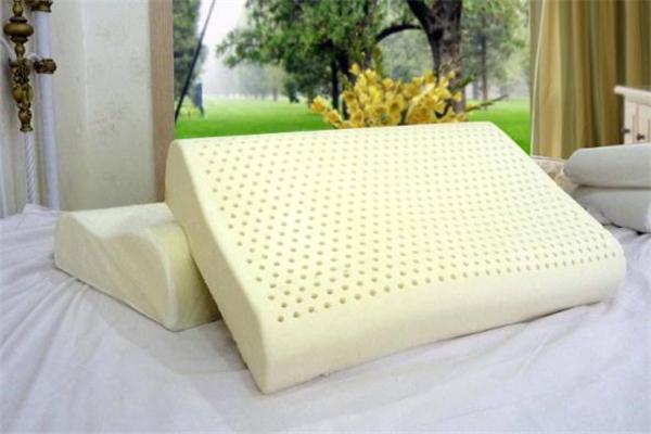 乳胶枕头变黄怎么处理 乳胶枕头发黄怎么清洗