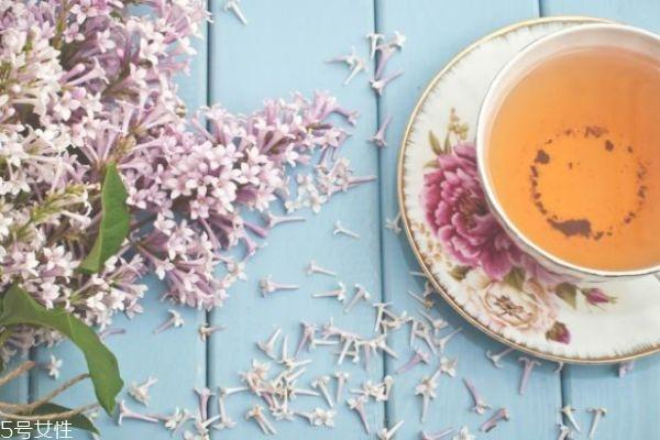 茶水要和洗发水一起用吗 茶水洗头发方法