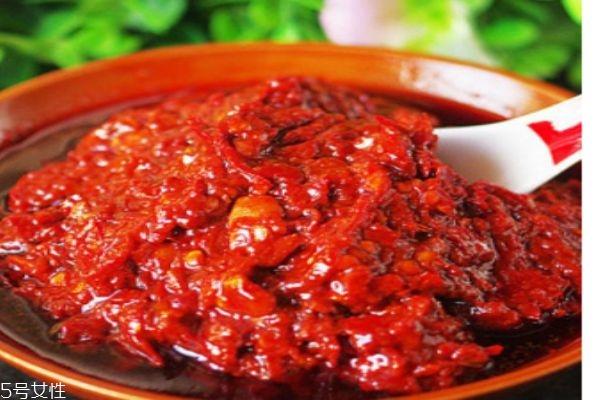 豆瓣酱的热量有多少呢 豆瓣酱有什么功效呢
