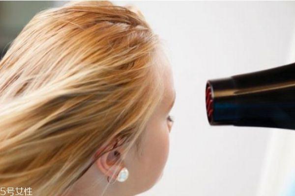 经常吹头发有什么危害 头发要怎么护理