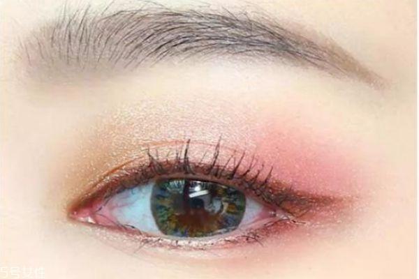 2019年流行的眼妆画法是什么 今年有哪些眼彩流行趋势