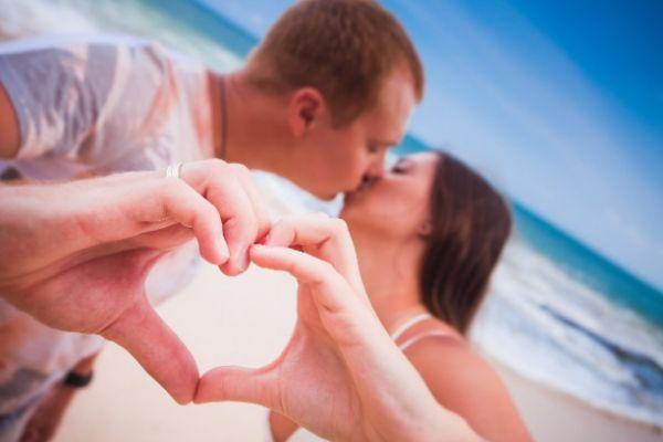 恋爱中占有欲强怎么办 男人为什么占有欲那么强