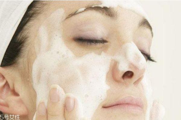 洗面奶洗脸洗多久 洗面奶洗脸洗多少分钟