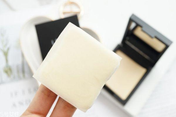 吸油纸会让毛孔变大吗 使用吸油纸的危害