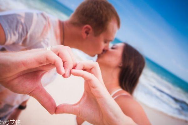 一线婚姻相亲网,恋爱中占有欲强怎么办 男人为什么占有欲那么强