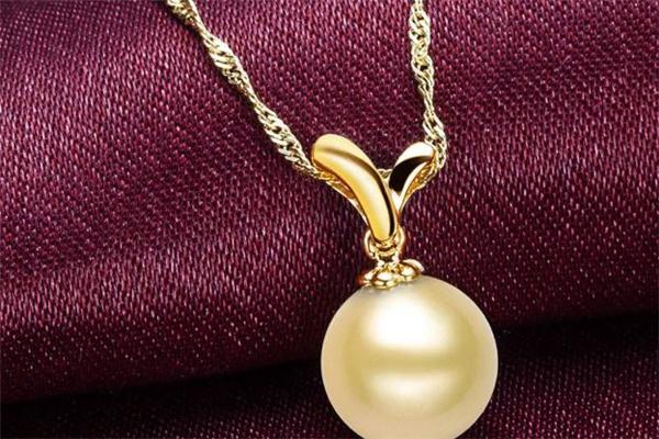 金珍珠吊坠多少钱 金珍珠吊坠价格
