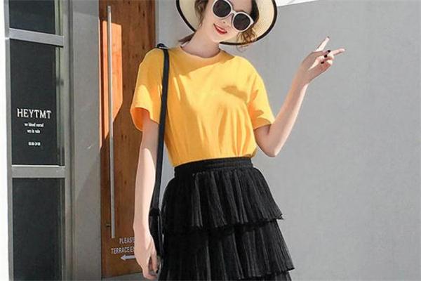 短袖配什么裙子好看 穿短袖怎么搭配裙子