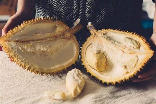 榴莲壳上的白肉能吃吗 榴莲壳上的白肉取法
