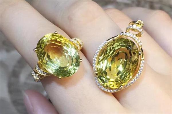 柠檬晶是什么 柠檬晶和黄水晶一样吗