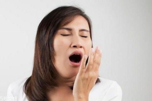 女人口臭是什么原因 女人口臭这样做