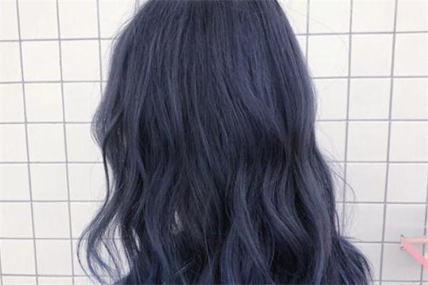 雾蓝色头发掉色后是什么颜色 雾蓝色头发褪色后效果