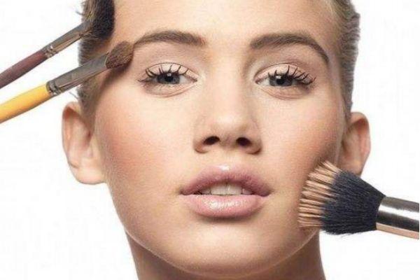 如何补妆才自然 各种肤质如何补妆