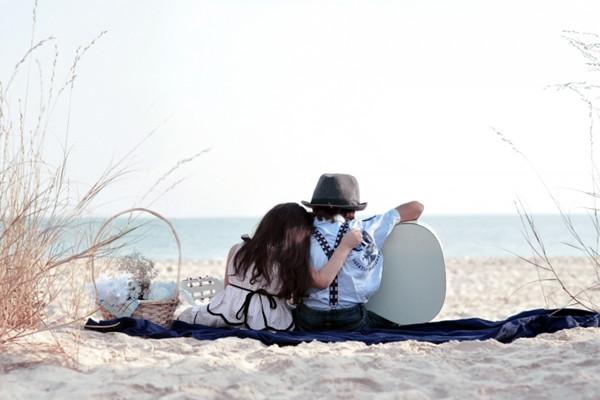 相亲网友见面看身份证合适不,女生恋爱后的心理变化有哪些 恋爱相处之道