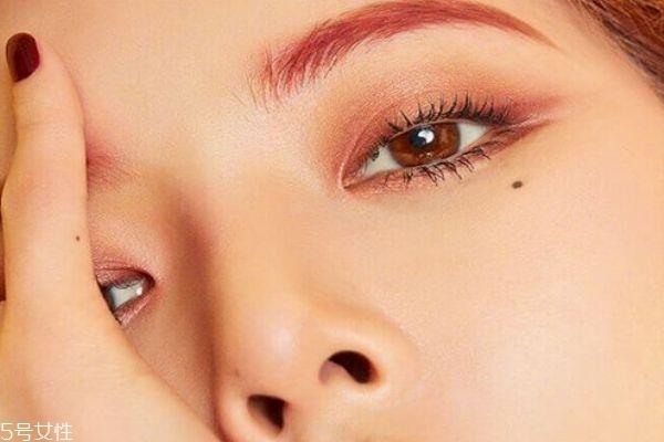 为什么会脱妆 怎样化妆不容易脱妆