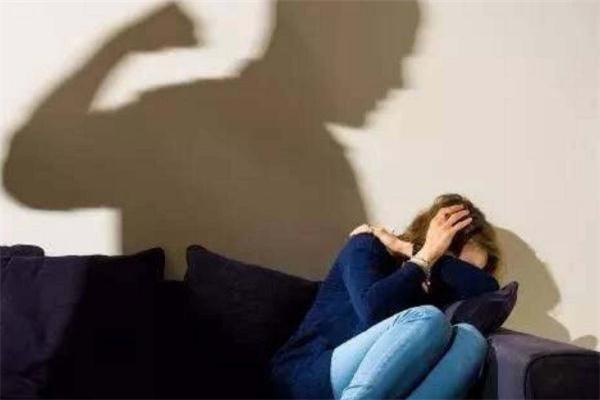 打老婆的男人还能要吗 打老婆的男人心理分析