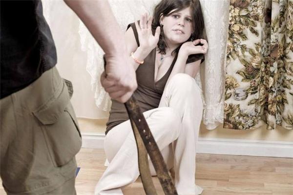 家暴离婚需要什么证据 家暴一次能判离婚吗