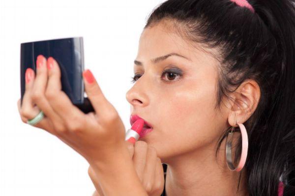 化完妆很快就暗沉了 化妆后脸上颗粒感很重