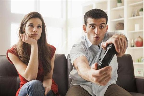 甘肃天水相亲百合网,男朋友爱打游戏怎么办 男朋友玩游戏忽略我怎么办