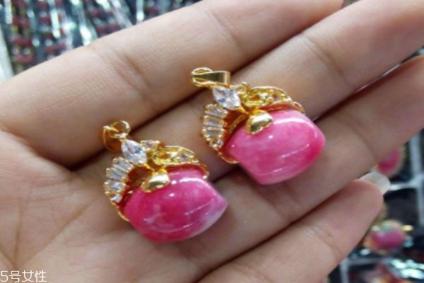 什么是桃花石呢 桃花石有什么作用呢