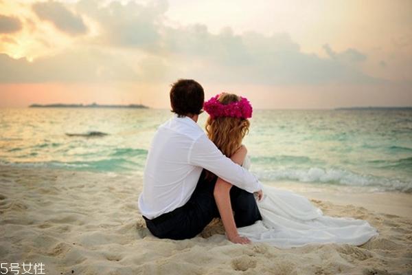 伊恋相亲官网,谈恋爱可以一起做哪些事 刚恋爱的情侣应该怎么相处