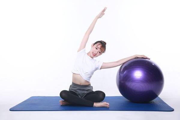 瑜伽球减肥有用吗 瑜伽球怎么减肚子