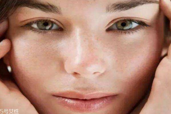 夏天干性皮肤如何护肤 干性皮肤夏天如何补水保湿