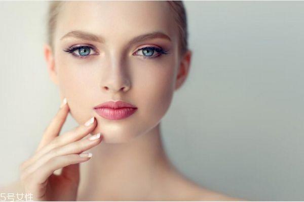 干性皮肤如何保湿 干性皮肤怎么保养