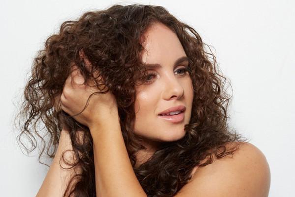 自然卷适合什么发型 自然卷适合短发吗