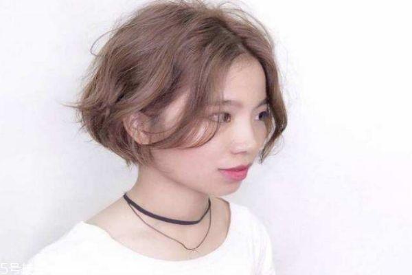 今年最流行的发型图片短发烫发 纹理烫短发图片女