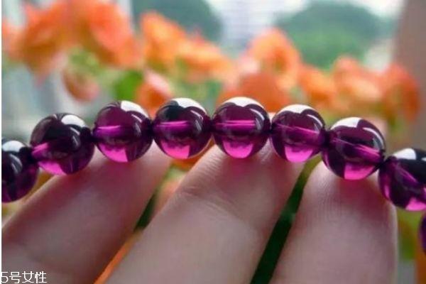 尖晶石应该怎么保养呢 戴尖晶石有什么注意呢