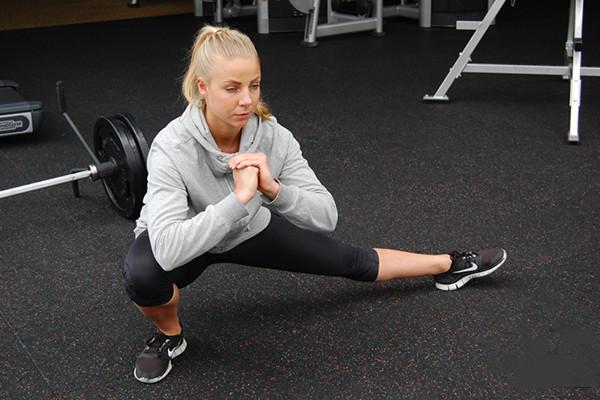练美臀的动作方法 练美臀的方法有哪些