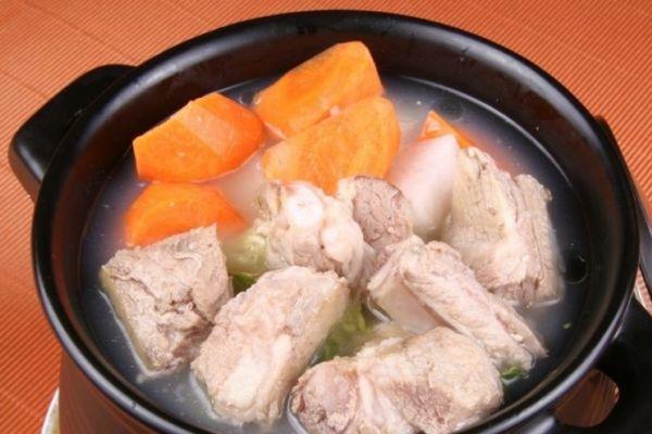排骨汤怎么炖最好喝 排骨肉不柴的小秘方