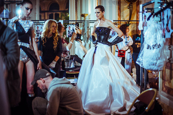 范思哲服装风格是怎样的 范思哲服装品牌系列