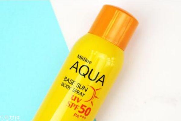 先喷防晒喷雾还是先化妆 化妆和防晒喷雾的顺序